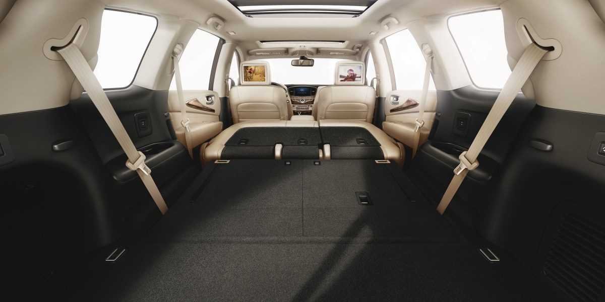2018 INFINITI QX60 Crossover interior cargo space
