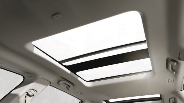 2018 INFINITI QX60 Crossover interior moonroof