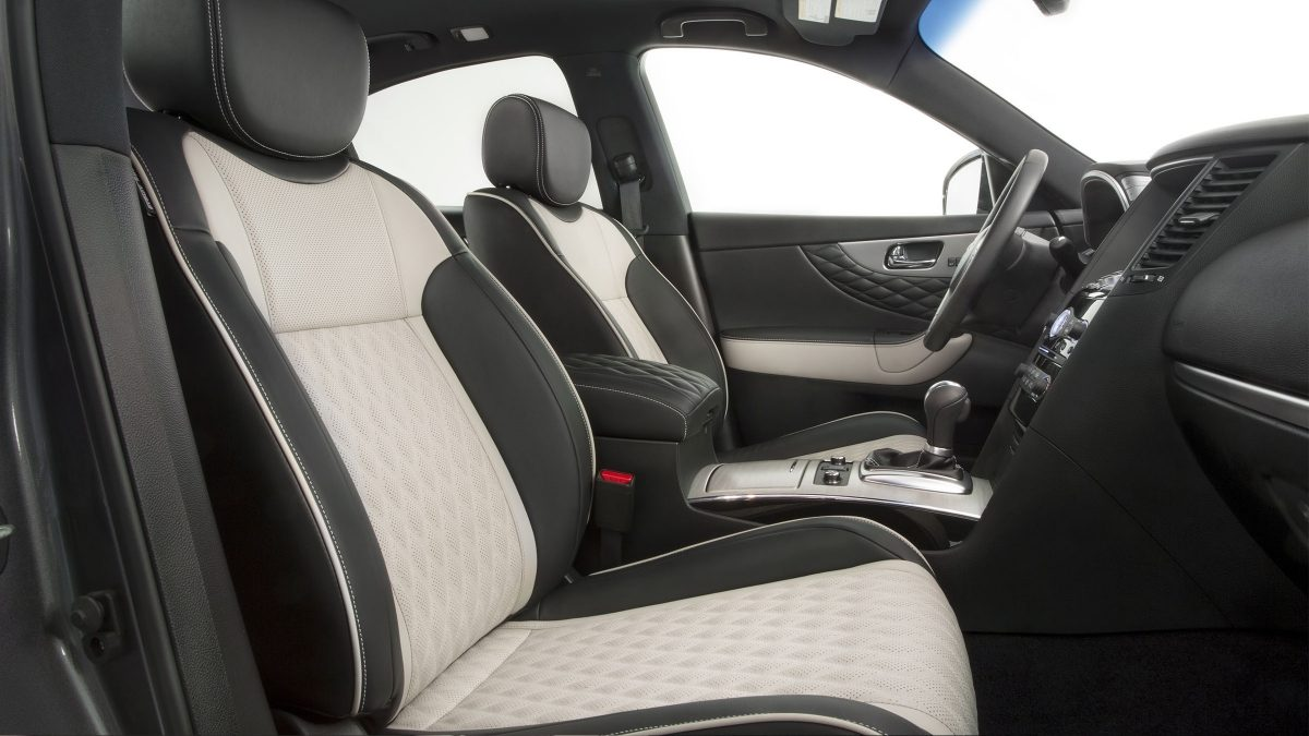 2018 INFINITI QX70 Leather Stitching Details
