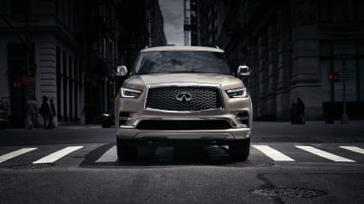 2019 INFINITI QX80 SUV Power and Performance in Action