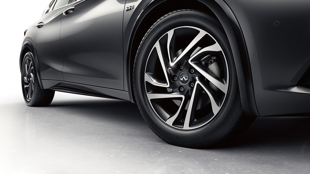 2018 INFINITI Q30 Crossover Wheels