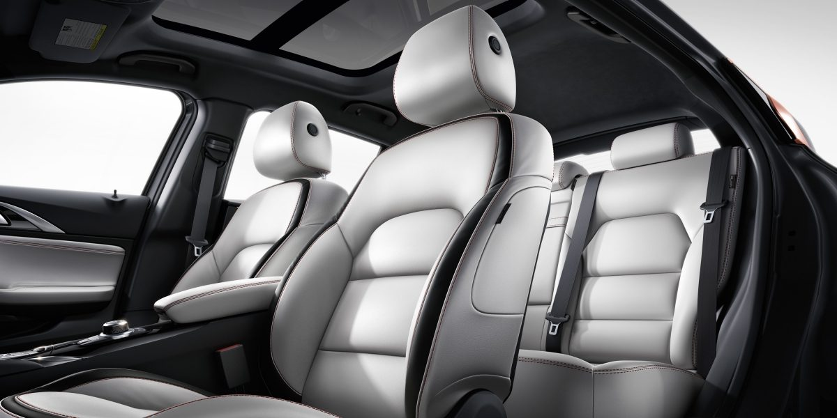 2018 INFINITI Q30 Crossover White Leather Interior Seats