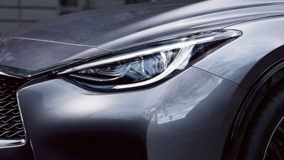 Phares LED du crossover INFINITI Q30 2018