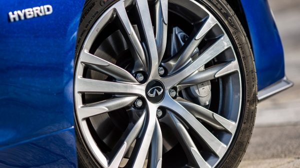 2019 INFINITI Q50 Design | 19-Inch Alloy Wheels