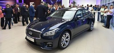 New Infiniti Q70 makes its Debut in Beirut