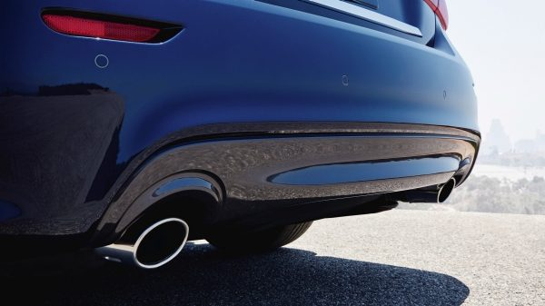 2018 INFINITI Q70 exhaust closeup