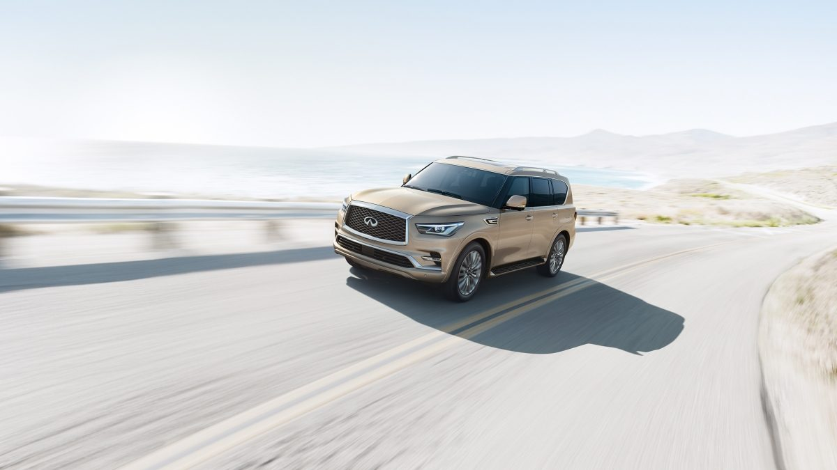 2018 INFINITI QX80 SUV Exterior Design Gallery | Driver's Side Front Three Quarter in Champagne Quartz